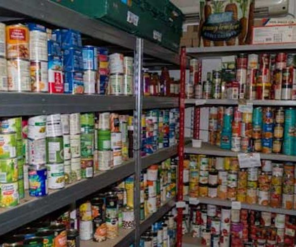Mayor asks supermarkets to give further help to London food banks